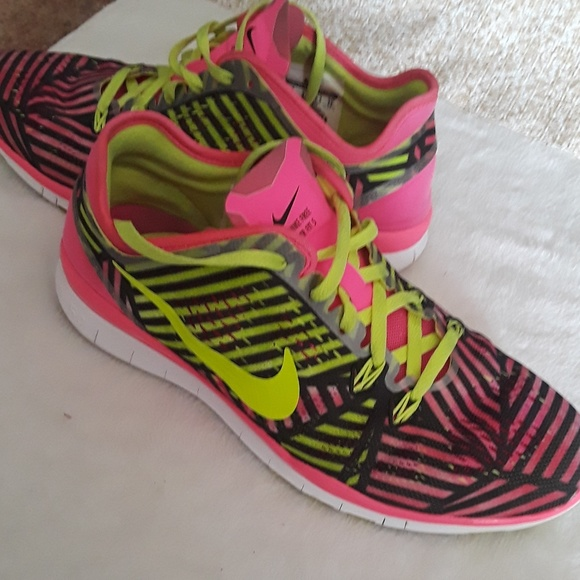 free shipping 30fd5 9552f Nike Free TR Fit 5 womens 10 pink black yellow run.  M 5cc0f4c72f4831fe633ea978